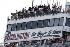 NASCAR: 7. Mai-königliches Purpur-synthetisches Schmieröl 200 stockfotos