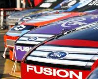 NASCAR - Amerikanische Muskel-Autos lizenzfreie stockbilder