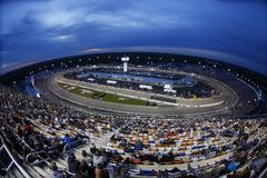 NASCAR: April 21 Toyota ägare 400 Royaltyfri Foto