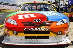 NASCAR - Camry de #18 M&M de Busch Imagen de archivo