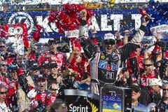 NASCAR: Carril de la victoria de Tony Stewart Foto de archivo