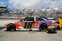 NASCAR - Carro dos Snickers de #18 de Kyle Busch Imagem de Stock Royalty Free