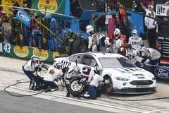 NASCAR : Commande du 6 mai D.C.A. 400 pour l'autisme Images stock