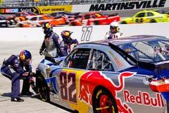 NASCAR - Daño de las partes frontales de la fijación del equipo de hueco Imagen de archivo