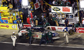NASCAR - Dale Jr's Crew in Action Royalty Free Stock Photos