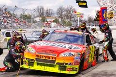 NASCAR - de Banden en de Brandstof van de Bemanning van de Kuil van Gordon royalty-vrije stock fotografie