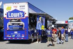 NASCAR - de Winkel van Ventilators in Johnson'sTrailer stock foto's