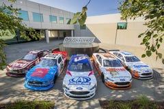 NASCAR: 30 die augustus Roush Fenway Throwback-Raceauto's rennen Stock Afbeelding