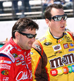 NASCAR - gli ex compagni di squadra ripartono una risata Fotografia Stock