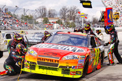 NASCAR - Gordon's Pit Crew Tires and Fuel Royalty Free Stock Photography