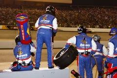 NASCAR - Gruben-Besatzung betriebsbereit in Richmond Stockfotos