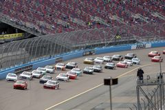 NASCAR: Hund 200 för service iK9 för mars 09 arkivbilder