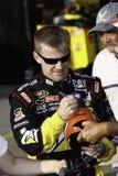 NASCAR - Jeff Burton undertecknar autografer Royaltyfria Bilder
