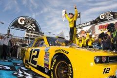 NASCAR: JR córneo carril de Sam de la victoria imágenes de archivo libres de regalías