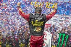 NASCAR: 24 juni Toyota/sparen Markt 350 Stock Foto