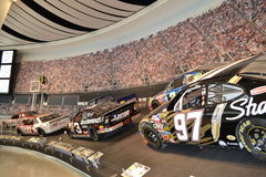 NASCAR-korridor av berömmelseracerbilar Royaltyfria Foton
