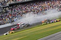 NASCAR: Kyle Larson wraki przy daytona zdjęcia stock