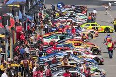 NASCAR : Le 20 août Irwin usine le chemin de nuit Image stock