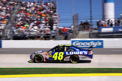 NASCAR - le gagnant 2009 de la sucrerie 500 Jimmie Johnson Photo stock