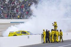 NASCAR: 15 mei AMERIKAANSE CLUB VAN AUTOMOBILISTEN 400 Profiterend Autisme spreekt Stock Foto