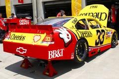 NASCAR - Multa - ajustando sob a capa Fotografia de Stock