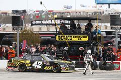 NASCAR: November 03 nolla 'Reilly Auto Parts Challenge arkivbild