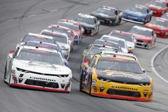 NASCAR: November 03 nolla 'Reilly Auto Parts Challenge royaltyfria foton