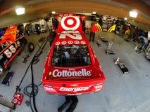 NASCAR 2013:  O RELEVO da DOR DE CABEÇA do PRESENTE da série do copo da sprint DISPAROU em 500 Imagens de Stock Royalty Free
