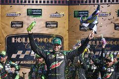 NASCAR: October 21 Hollywood Casino 400 stock images