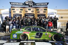 NASCAR: October 21 Hollywood Casino 400 stock photos
