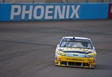 NASCAR: Piezas de automóvil de O'Reilly del inspector del 13 de noviembre Fotos de archivo