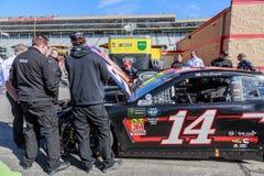 NASCAR przedwyścigowa inspekcja -14 Clint Boyer fotografia royalty free