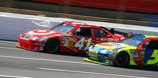 NASCAR - Rotella per spingere corsa! Fotografia Stock Libera da Diritti