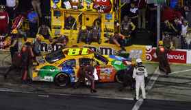 NASCAR - Squadra di pozzo del Kyle nell'azione! Immagine Stock