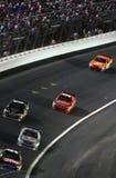 NASCAR - Stewart jagt Kahne Lizenzfreies Stockfoto