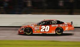NASCAR - Stewart Zooms langs! Royalty-vrije Stock Afbeeldingen