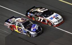 NASCAR - Stutzen und Stutzen-Laufen! lizenzfreie stockfotografie