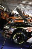 NASCAR - Vinnarerad - under huven Arkivfoton