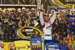 NASCAR : Voie de victoire de Jimmie Johnson Photographie stock