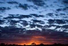 Nascer do sol ardente Fotografia de Stock