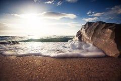Nascer do sol bonito acima do mar Imagem de Stock Royalty Free
