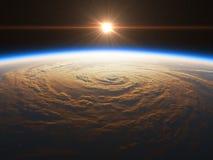 Nascer do sol bonito e realístico sobre a terra Imagens de Stock