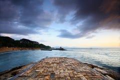 Nascer do sol bonito na praia bali Indonésia do sanur Foto de Stock