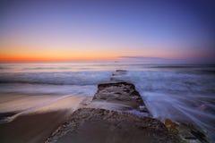 Nascer do sol bonito sobre o horizonte Imagem de Stock