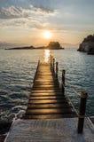 Nascer do sol bonito sobre o mar Fotografia de Stock