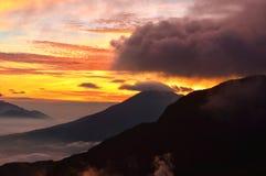 Nascer do sol bonito /sunset dos Mountain View imagens de stock royalty free