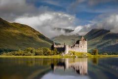 Nascer do sol do castelo de Kilchurn Fotografia de Stock Royalty Free