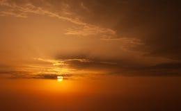 Nascer do sol com nuvens. Fotografia de Stock Royalty Free