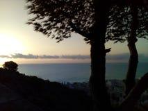 Nascer do sol com o mar Mediterrâneo fotos de stock royalty free