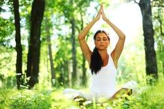 Nascer do sol da ioga dos lótus imagens de stock royalty free